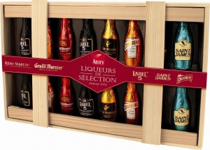 AA36 Liqueurs de Selection 205g Wood Box.jpg